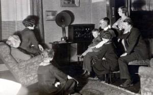 Old Radio Large Family